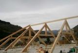 Estructura-con-cerchas-de-madera